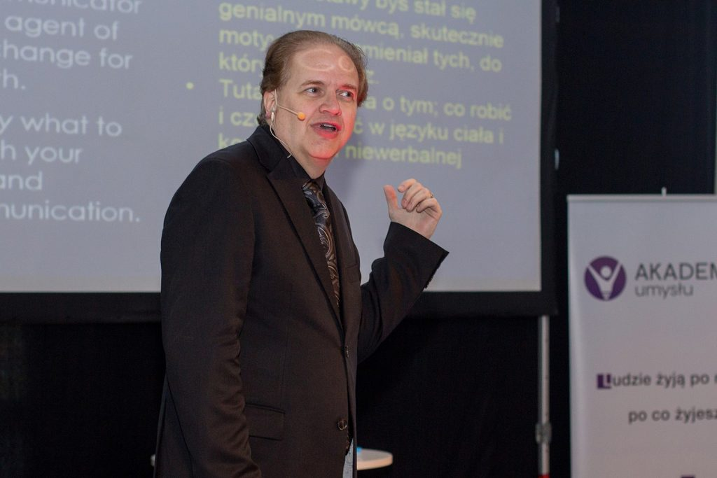 A recent Kevin Hogan Presentation in Poland - International Speaker, Best Selling Author, Body Language Expert, and Master of Influence